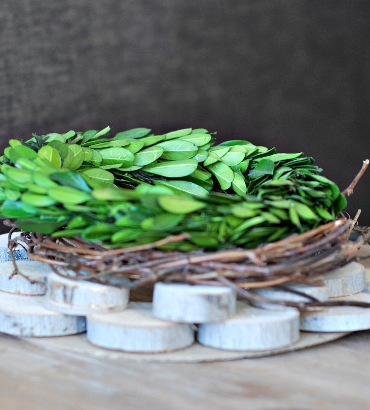 how-to-make-a centerpiece-with-branches-everyday-edits