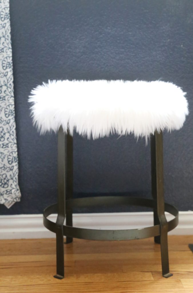how-to-make-faux-fur-side-table