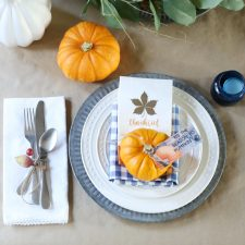 HOW TO CREATE A THANKSGIVING TABLE SETTING IN MINUTES