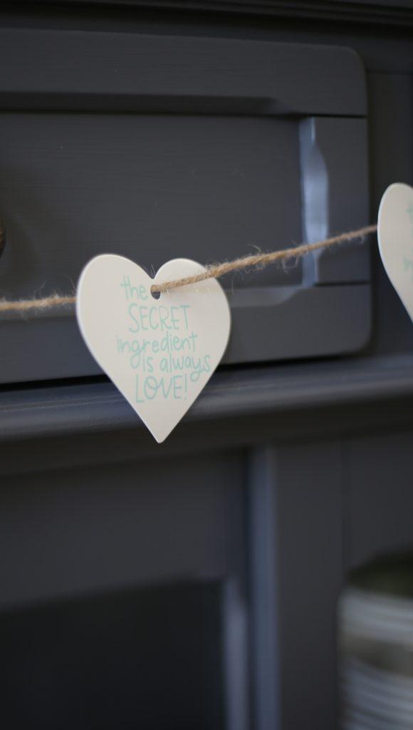 Valentines-Day-garland