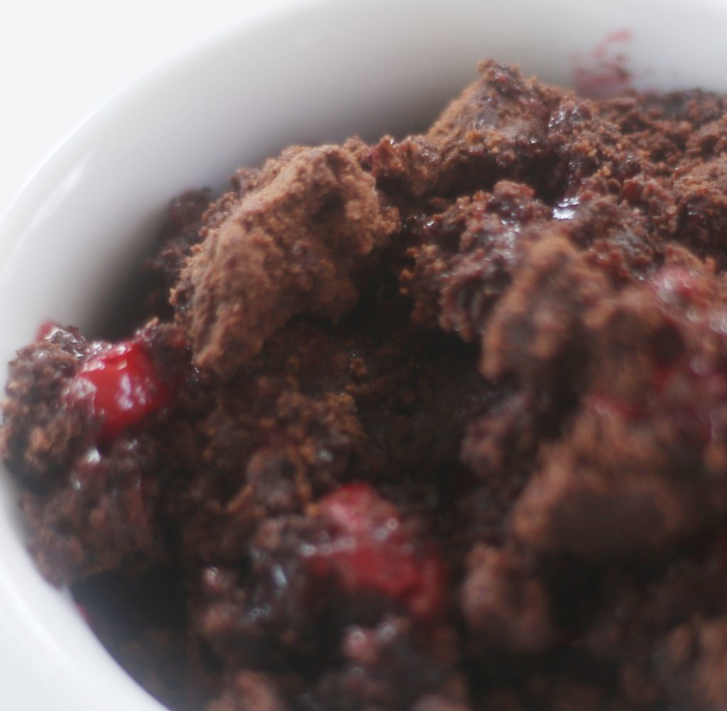 chocolate-cherry-dump-cake-everydayedits