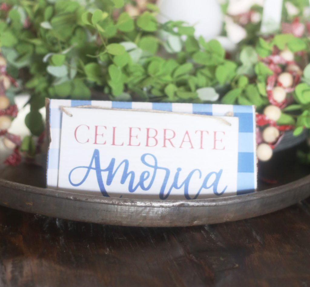 patriotic-tray-decor