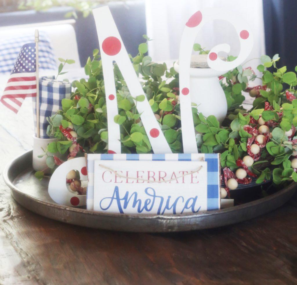 patriotic-tray-decor