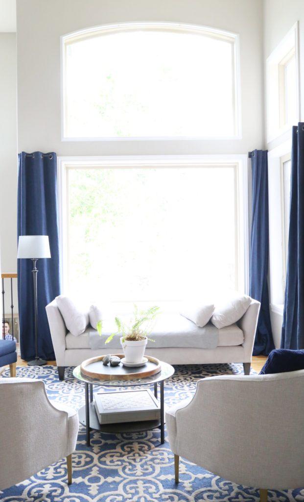 navy-white-living-room