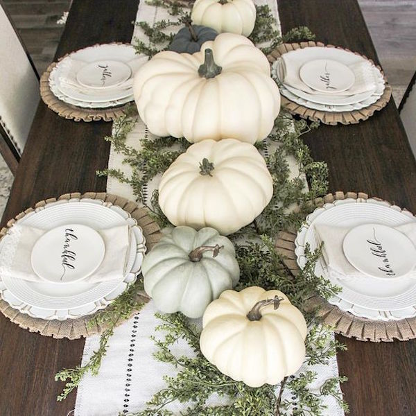 5 Simple Fall Tablescape Ideas