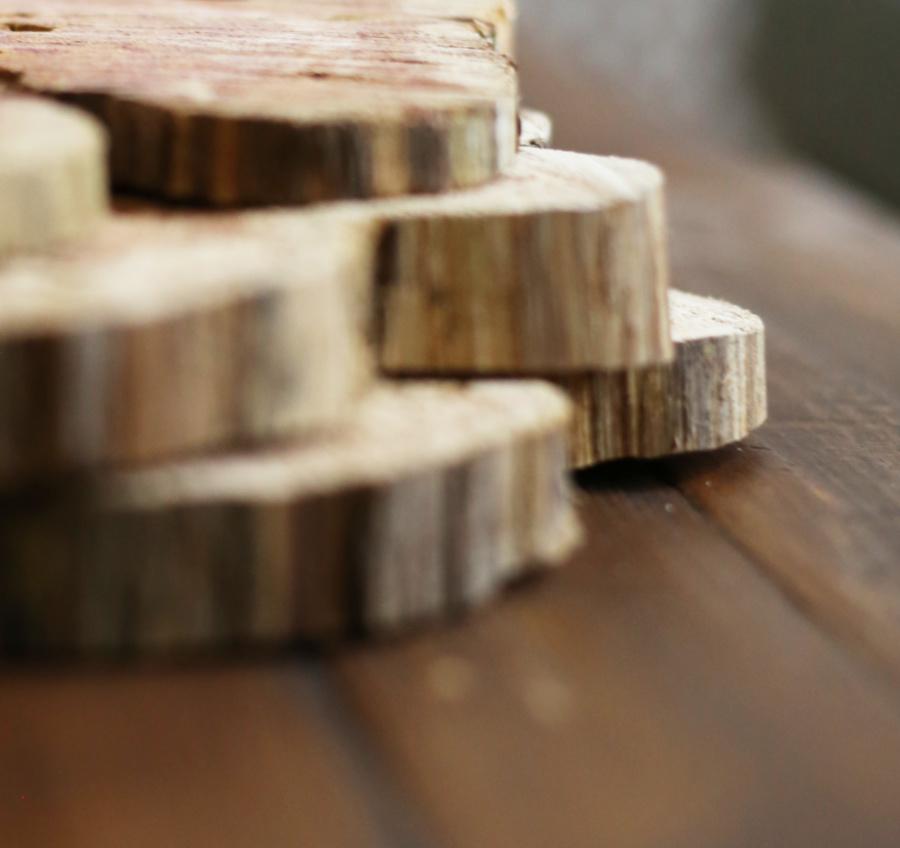 unfinished-natural-wood-slices