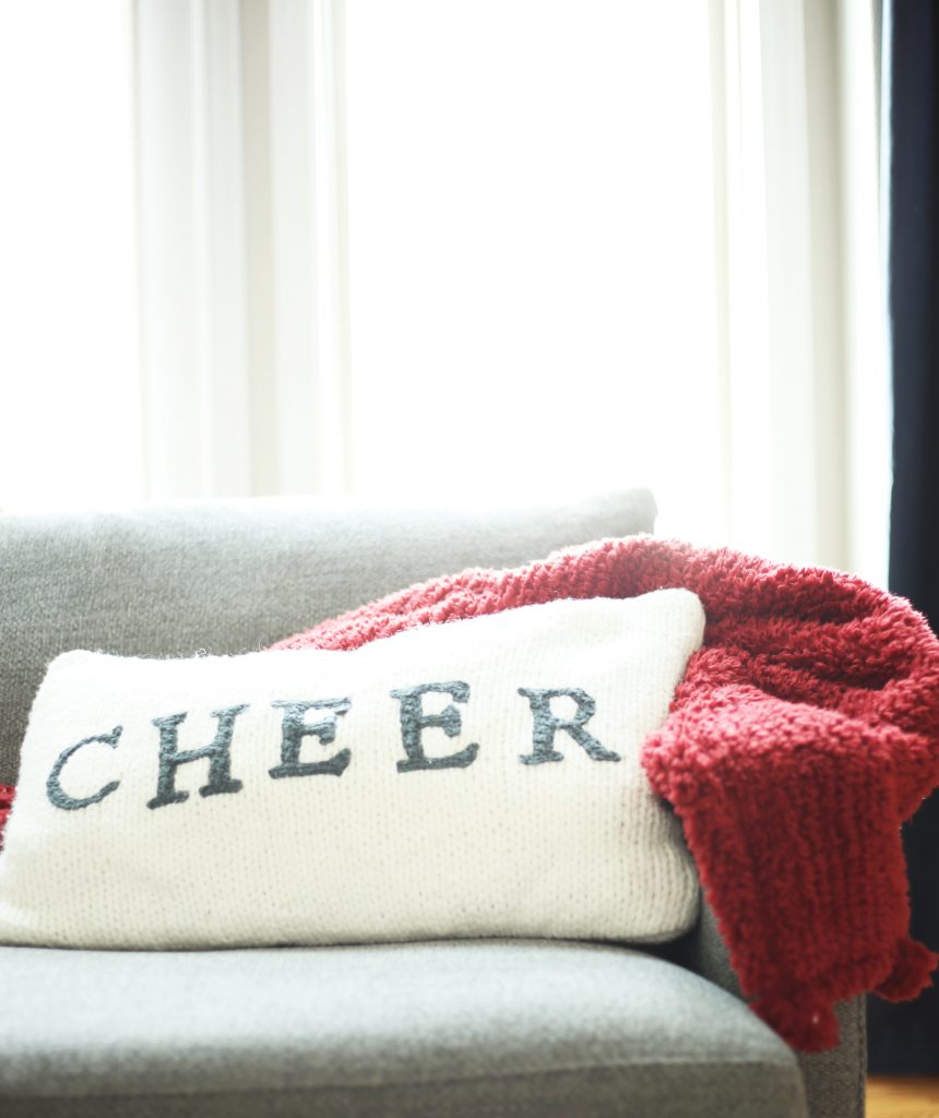 red-and-white-winter-decor