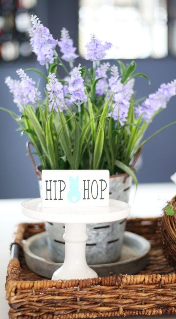 spring-birdhouse-centerpiece