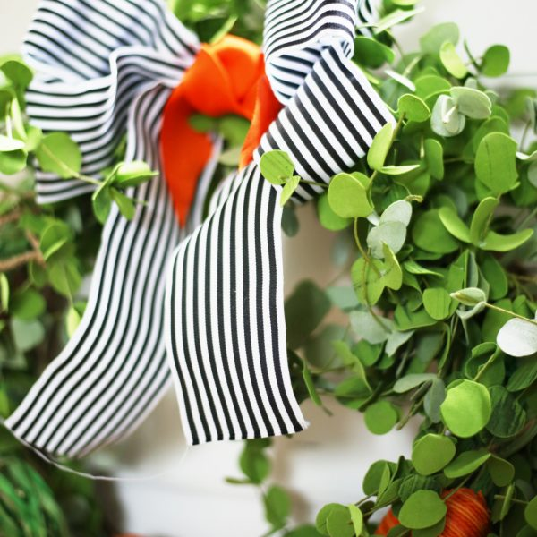 THE CUTEST SPRING CARROT WREATH