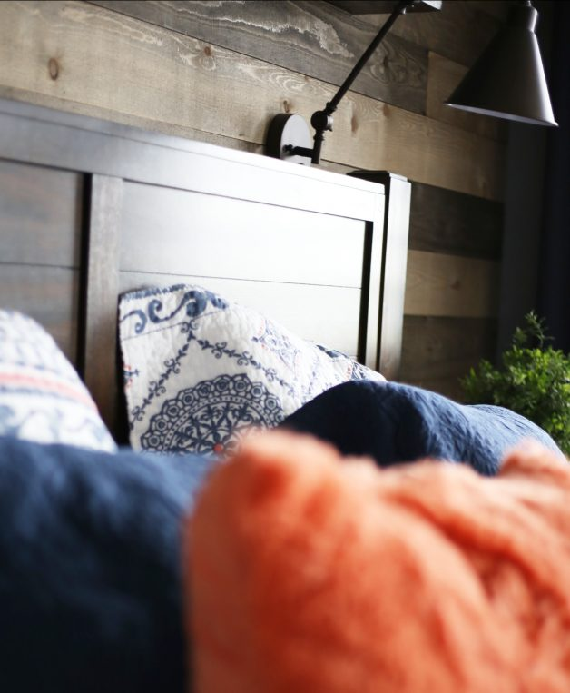 simple-pillow-hack-for-beds