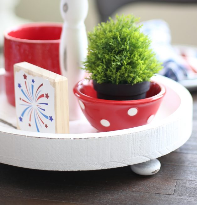 how-to-create-thrifty-patriotic-tiered-tray