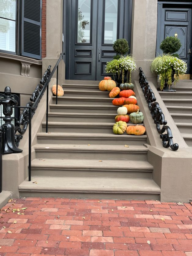 easy tips for a fall front porch from September through November